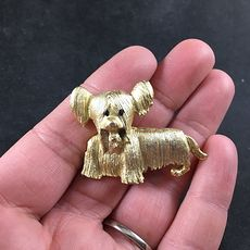 Adorable Vintage Gold Toned Metal Silky Terrier Dog Brooch Pin #9ErRp4LsjQc