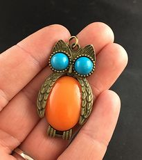 Beautiful Owl with Blue Eyes and Orange Body Pendant #S5qsSrEP51U