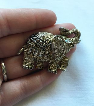 Fancy Textured Gold Toned Vintage Circus Elephant Brooch Pin #gaaXaGGlXsQ