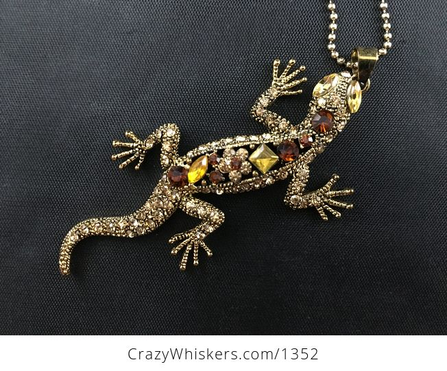 Stunning Gecko Lizard Pendant with Topaz Rhinestones on Vintage Gold Tone - #5rnlayXNeuM-3