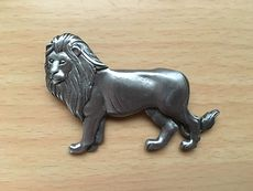 Stunning Vintage Pewter Tone Standing Male Lion Brooch Pin by Jj #7wKB2E4xL3w