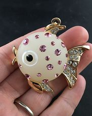 White Fish Pendant with Pink and White Rhinestones on Gold Tone #XcahP4PXKg0